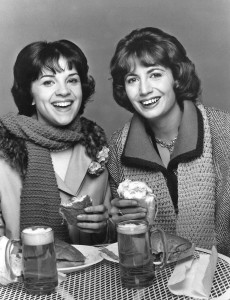800px-Laverne_and_shirley_1976